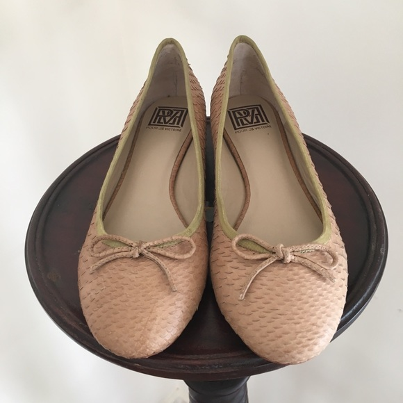 Pour La  Victoire Schuhes   La Licia Classic Ballet Flat   Poshmark 6d33cd